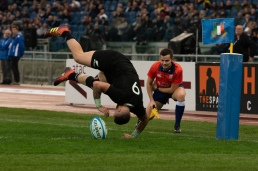 Rugby Test Match between Italy and All Blacks in Rome - Try